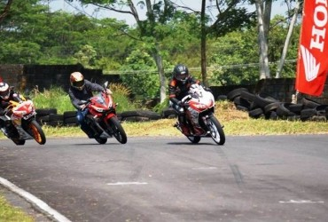 AHM Bersama DAM Gelar All New Honda CBR 150R Track Day Ajang di Bukit Peusar Tasikmalaya