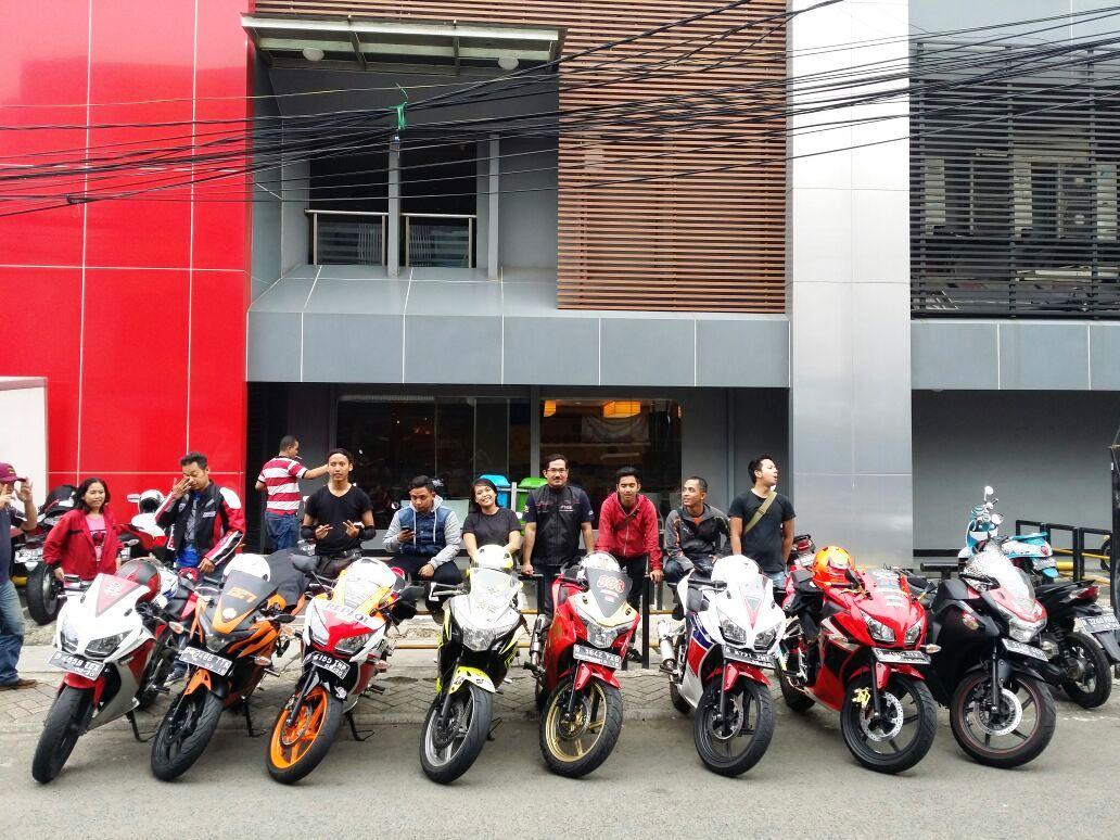 CBR Riders Jakarta Lakukan Sunmori Nikmati Lengangnya Ibu Kota Saat Lebaran