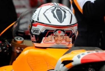 Ini Bahayanya Simpan Helm di Atas Tangki