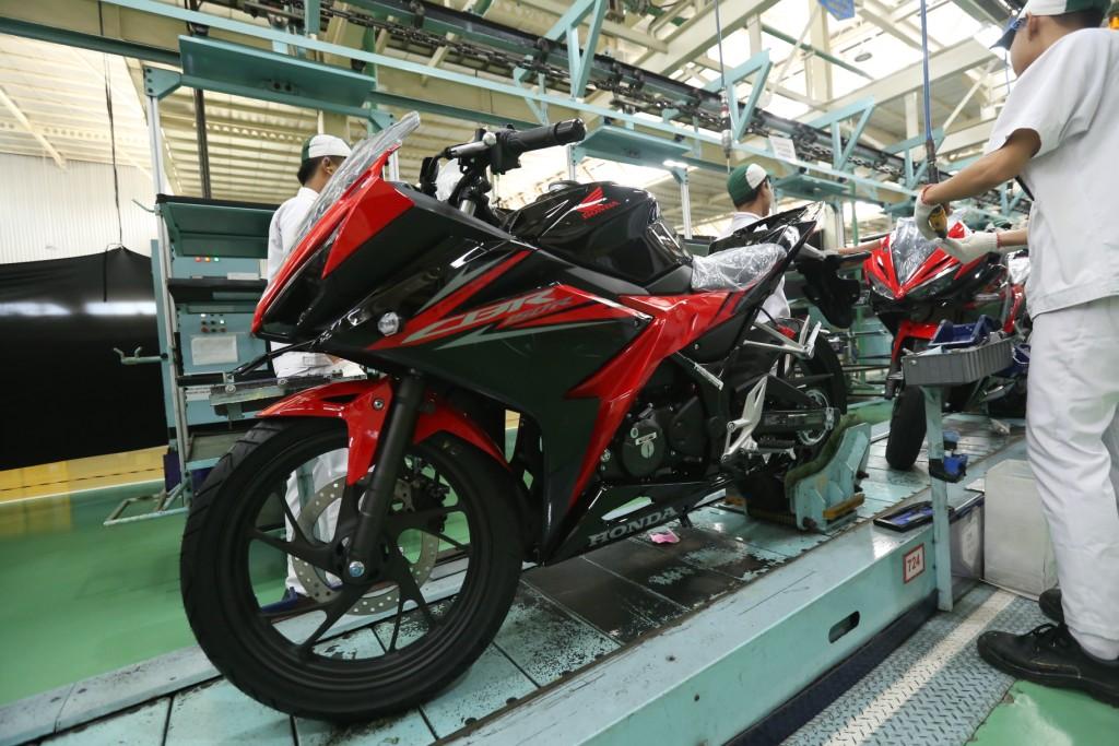 Tampil Lebih Gagah, New Honda CBR150R Hadir dengan Warna Baru