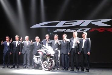 Pertama Kali di Dunia, AHM Perkenalkan All New Honda CBR250RR di Indonesia