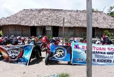 CBR Riders Kupang Gelar Baksos Peduli Pendidikan ke SD Terpencil