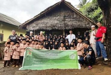 HCRC Lombok Laksanakan Baksos Peduli Pendidikan