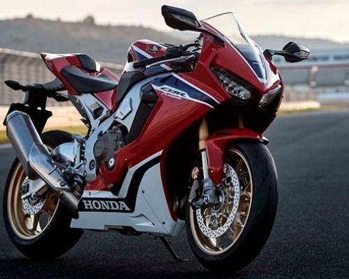 Nyamannya Honda CBR1000RR SP