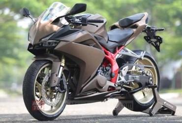 Inspirasi Modifikasi Honda CBR 250RR, Anti Lebay Si Tapak Lebar