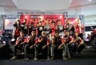 Komunitas CBR 'Pamer' Juara I Di Honda Sport Motoshow