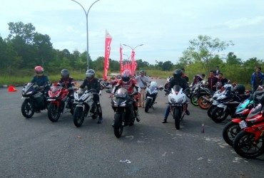 Track Day Komunitas CBR Pekanbaru
