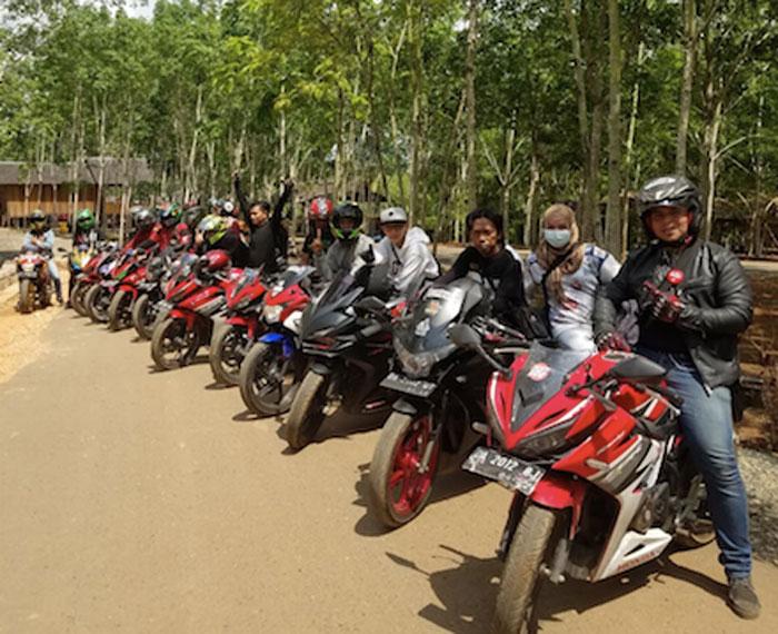 Keseruan CBR Reborn Kalimantan Kopdar di Bukit Kiram